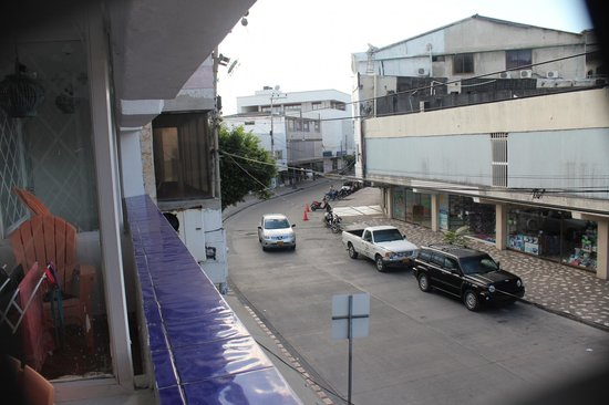 San Andres Noblehouse Hotel: Vista do Quarto