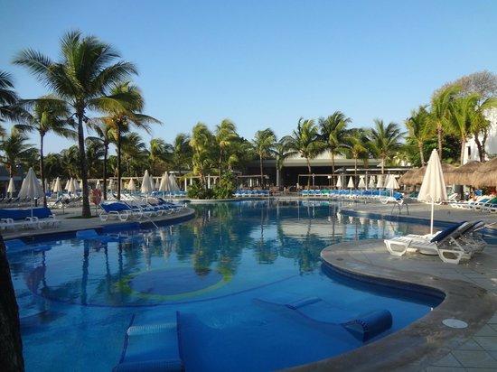 Hotel Riu Yucatan : PISCINES