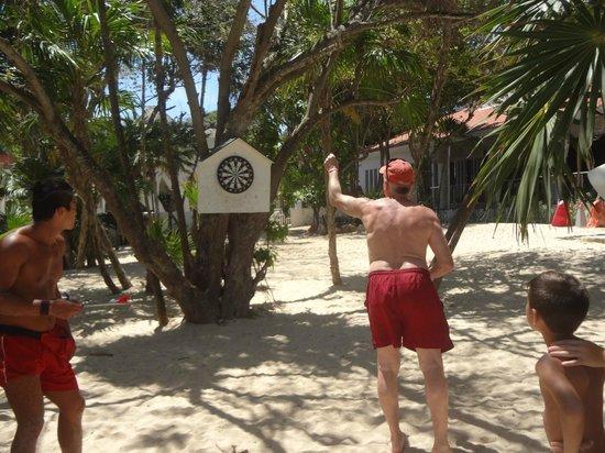 Hotel Riu Yucatan : JEUX DE DARDS SUR LA PLAGE