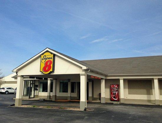 Super 8 - Monteagle TN: office