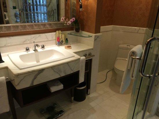 Shangri-La Hotel,Bangkok : Bad