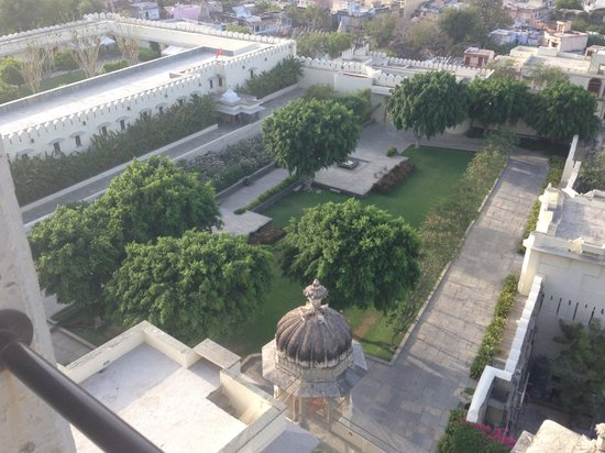 RAAS Devigarh : gardens