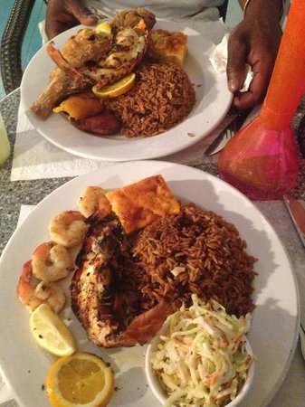 Junkanoo Beach Resort: Our last meal so we made it nice #fishfry