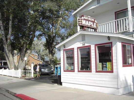 Silver Maple Inn Bridgeport CA
