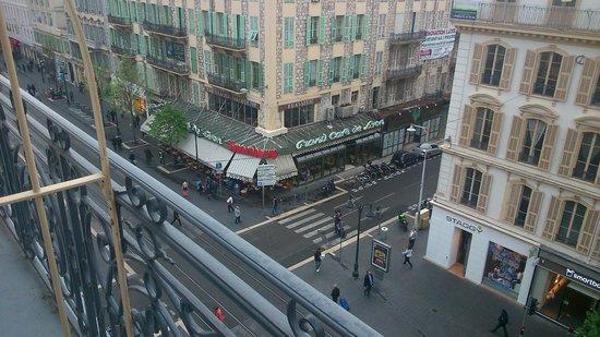 Best Western Hotel New York Nice: Cafe/ bar opposite