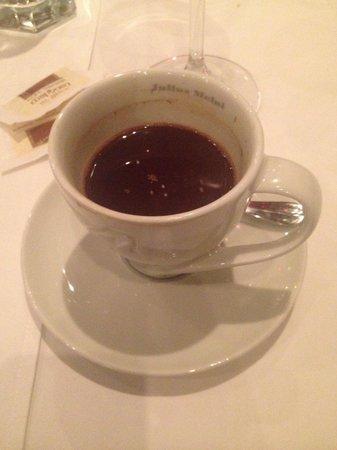Kalemegdanska terasa: Domestic coffee
