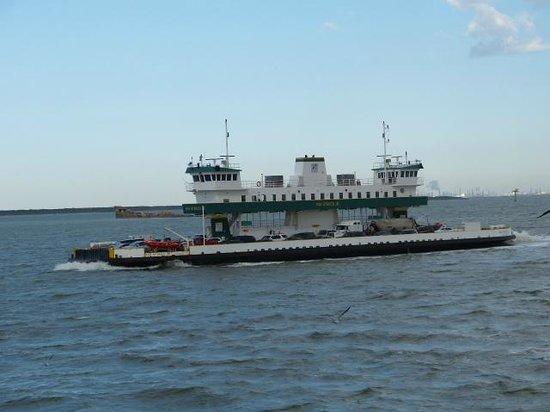 Galveston - Port Bolivar Ferry: Ferry heading to Galveston