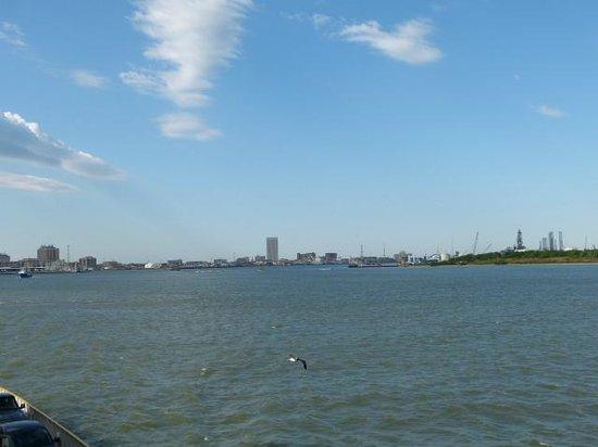 Galveston - Port Bolivar Ferry: looking back on Galveston