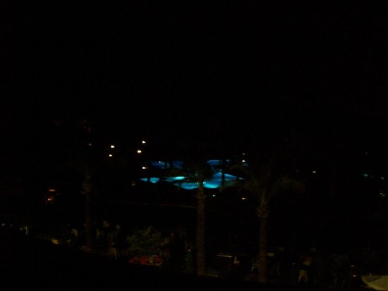 IC Hotels Green Palace : Pools lit up at night