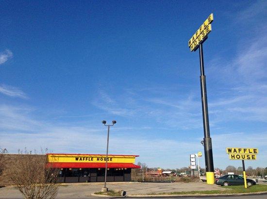 Waffle House: outside