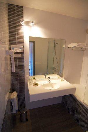 Hotel Restaurant La Porte des Cevennes : Hôtel Restaurant La Porte des Cévennes - Chambre