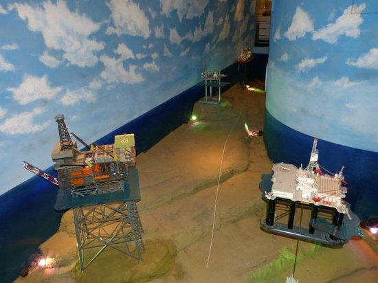 Ocean Star Offshore Drilling Rig & Museum: Great exhibits