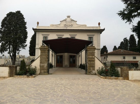 Villa Tolomei Hotel and Resort: the main entrance