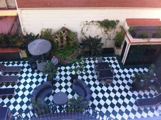 Hotel Praktik Rambla: backyard terace