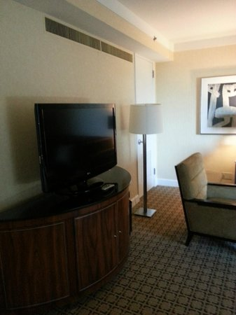 Hyatt Regency Century Plaza: Century Suite living area
