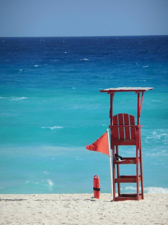 The Westin Lagunamar Ocean Resort: Amazing color of the ocean