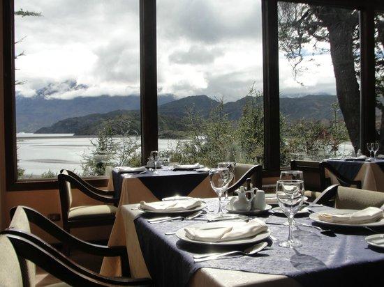 Lago Grey Hotel and Navegation : Restaurante