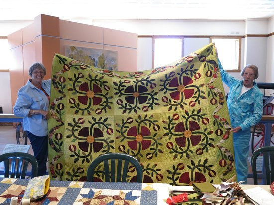 Sharlot Hall Museum: quilters' club