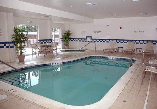 Fairfield Inn & Suites Winchester: Indoor Heated Pool