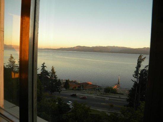 Hotel Plaza Bariloche: Vista desde el desayunador