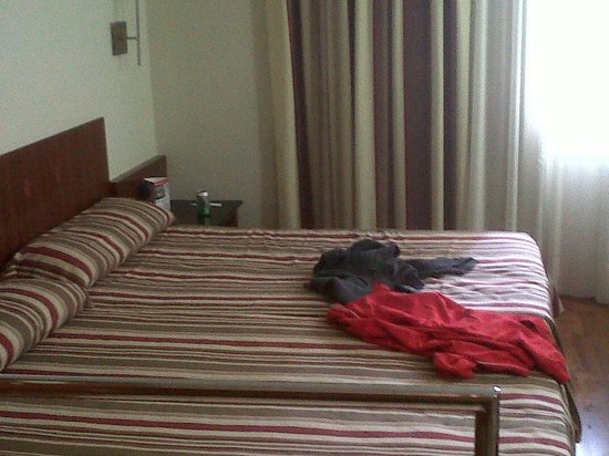 Catalonia Park Putxet Hotel: habitacion doble, cama super amplia