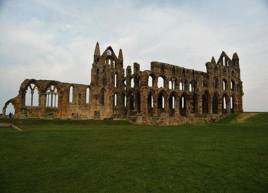 Innenhof von Whitby Abbey