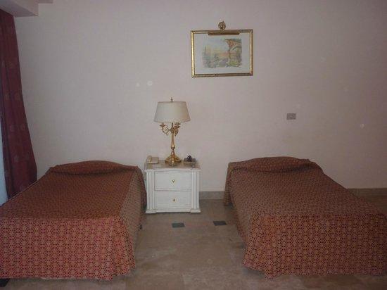Montillon Grand Horizon Beach Resort: В каждой комнате по 2 кровати