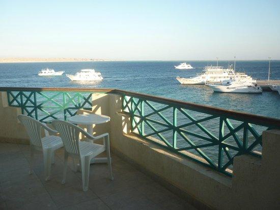 Montillon Grand Horizon Beach Resort: Вид с моего балкона
