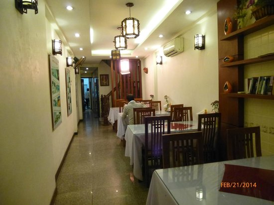 Hanoi Charming Hotel: Breakfast area