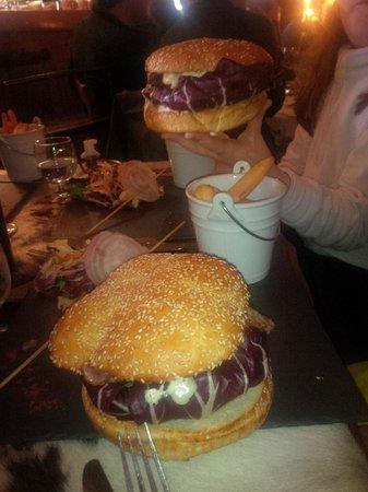 La Peau de Vache : A burger
