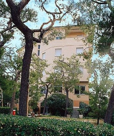 Hotel la Terrazza: Giardino Hotel