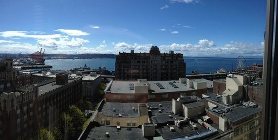 Loews Hotel 1000, Seattle: Panoramic of Elliott Bay (view from room)