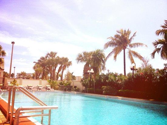 BEST WESTERN PLUS Windsor Inn: Nice pool!