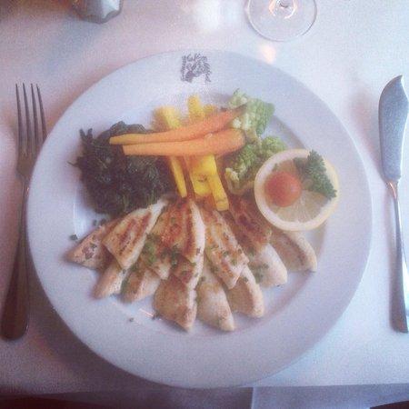 Entrecote Cafe Federal : Eglifilet meunière mir Gemüse (an Stelle der Pommes Alumettes)