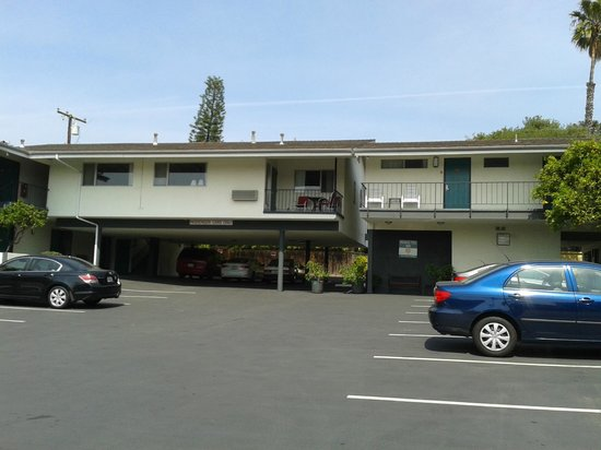 Orange Tree Inn: Motel vu de la rue