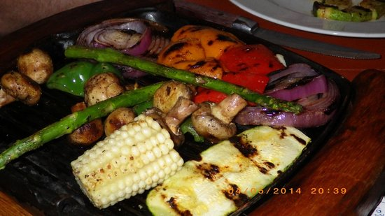 Puerto Madero Cancun: Grilled veggies (zucchini, corn, peppers, asparagus, onions, 'shrooms