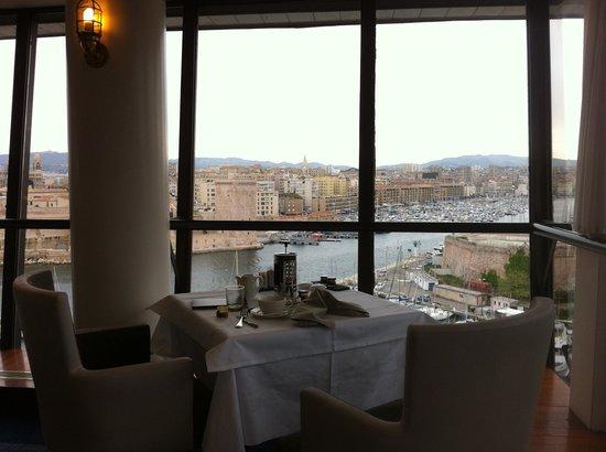Sofitel Marseille Vieux-Port: Vista desde el desayuno