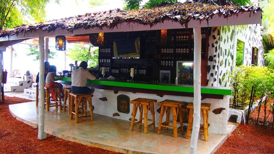 Milky Bay Resort: The bar@milkybay
