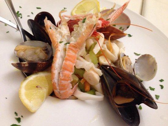Hostaria del Vicoletto: Insalata di mare (1 porzione) eccellente!