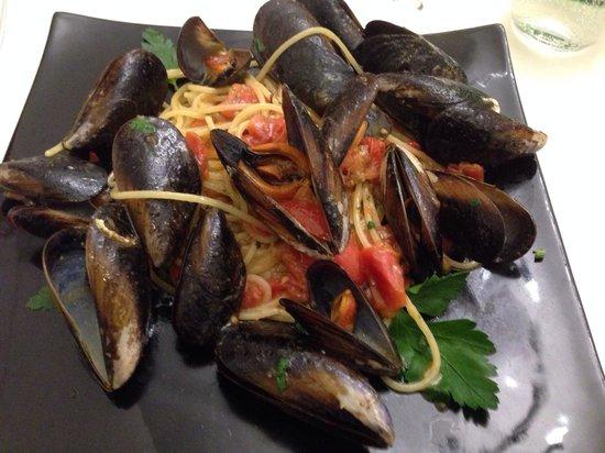 Hostaria del Vicoletto: Spaghetti con le cozze e il pomodorino (su richiesta, leggermente piccante). Dieci e lode!!!