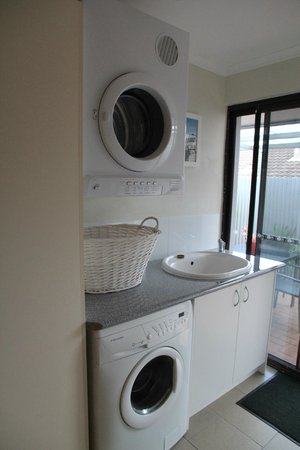 Albany Harbourside Apartments and Houses: Albany Harbourside Apartments - Laundry