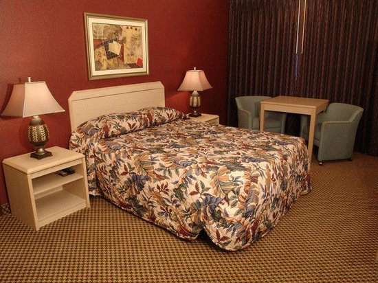 GuestHouse Inn & Suites Eugene / Springfield: Guest room