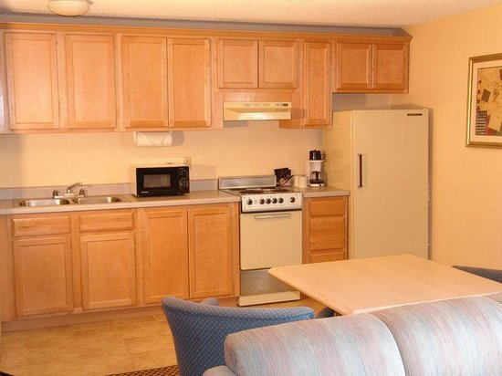 GuestHouse Inn & Suites Eugene / Springfield: Suite