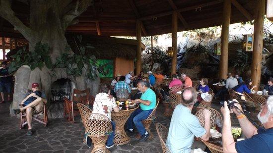 La Paz Waterfall Gardens: Lunch buffet