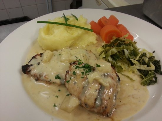 Ring o Bells : pork with stilton sauce