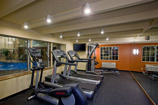Country Inn & Suites By Carlson, St. Paul East: CountryInn&SuitesStPaulEast FitnessRoom