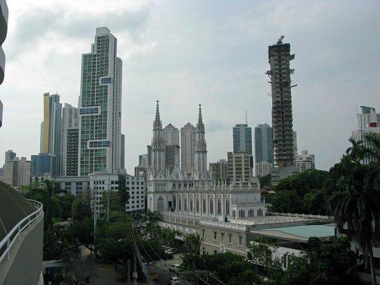 Crowne Plaza Panama: Blick vom Zimmer auf die Straße