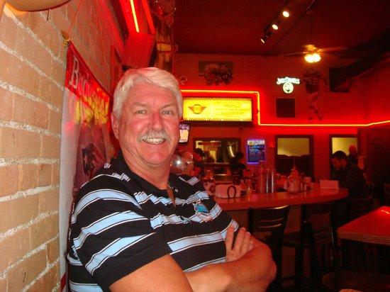 Burger Bob's: Enjoying the Decor