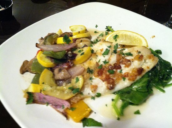 Captain Loomis Inn - Restaurant and Lounge: Flounder florentine