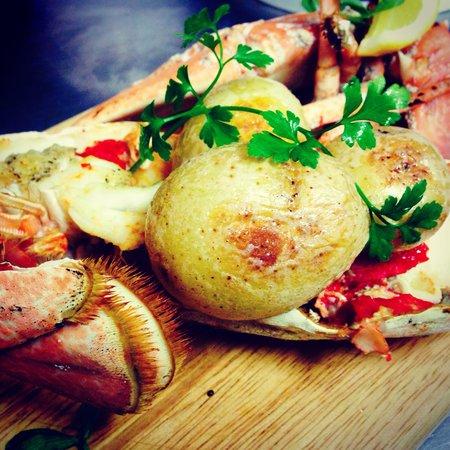 Mackerel Sky : Cooked lobster